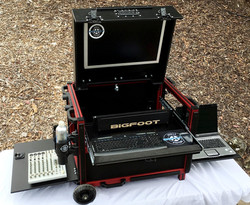 Versa Flypak 6RU ShockRack, Keyboard slideout,2RU on drawer, Flip up monitor lid