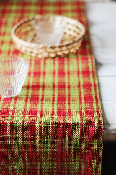 Natural Table Runner -Red Apple