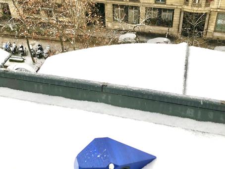 PROTON découvre les toits enneigés de Paris !