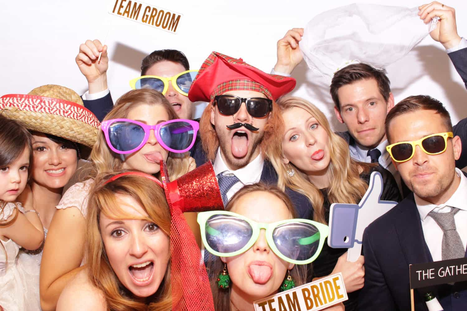 Country-Style-Wedding-at-Cain-Manor-Photo-Booth
