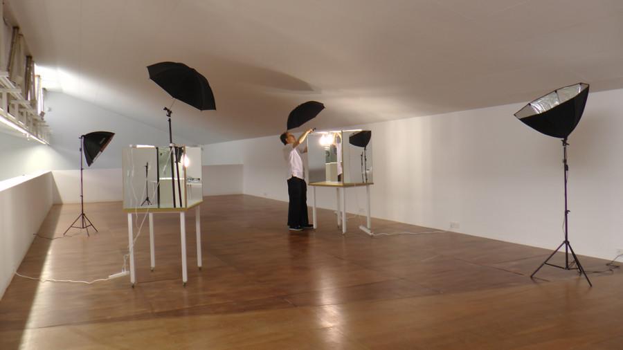 FRENTE AL RÍO, obra / instalación,  Jose María Sicilia y El Instante.   Fotografía de Ágata Sánchez Duarte - El Instante Fundación 2