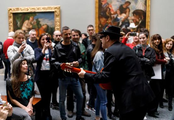 Acción Persiles. Museo del Prado.Santiago Auserón - Juan Perro.  Copyright Ángel Martínez - El Instante Fundación