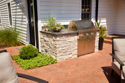Outdoor kitchen and patio Glen Ellyn
