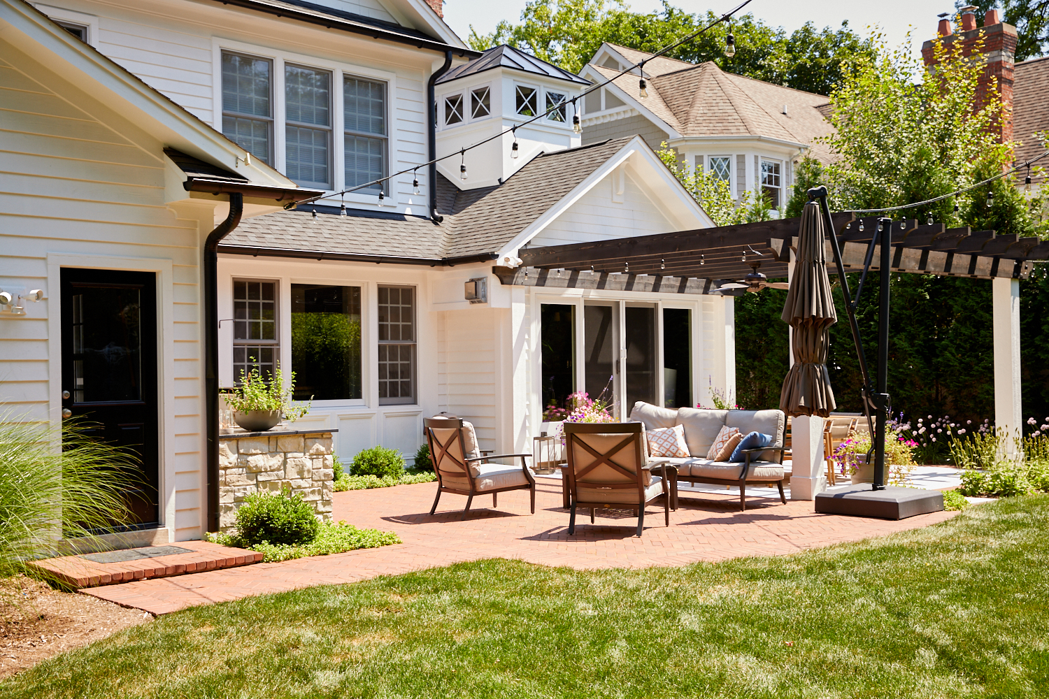 Patio and pergola Glen Ellyn