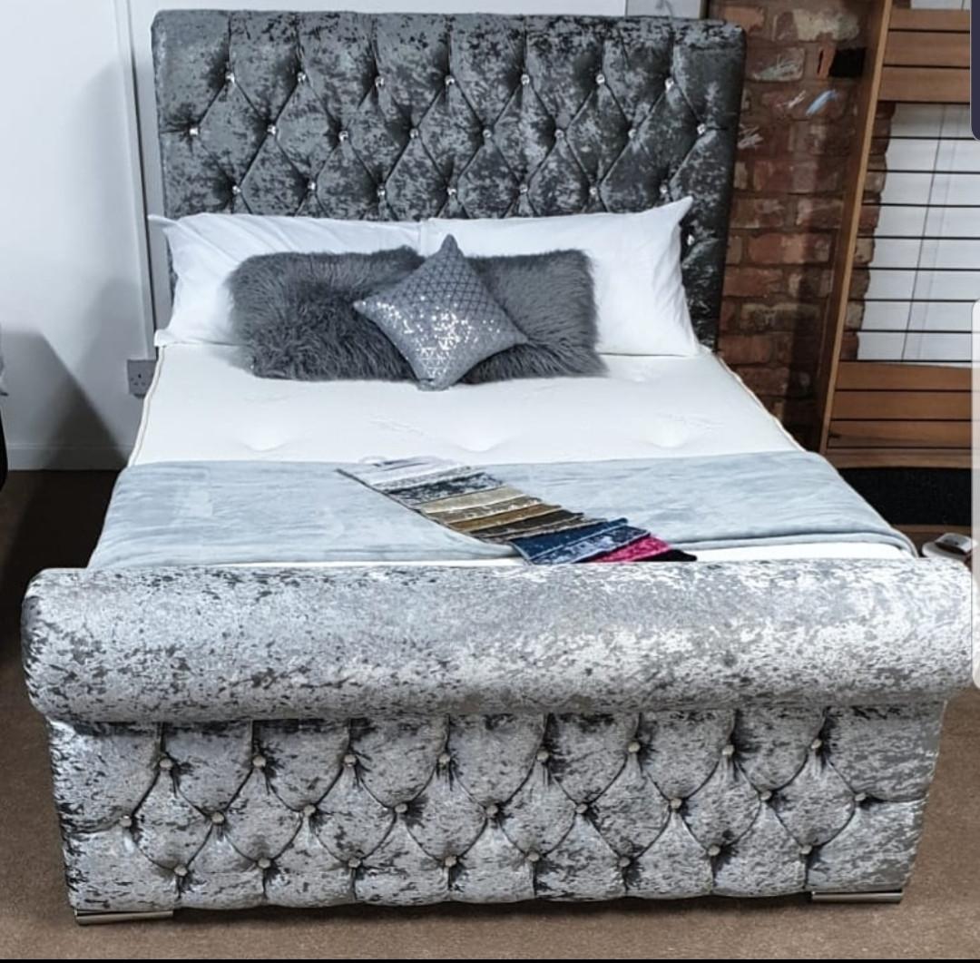 ♥️ SILVER VELVET SLEIGH BED ♥️