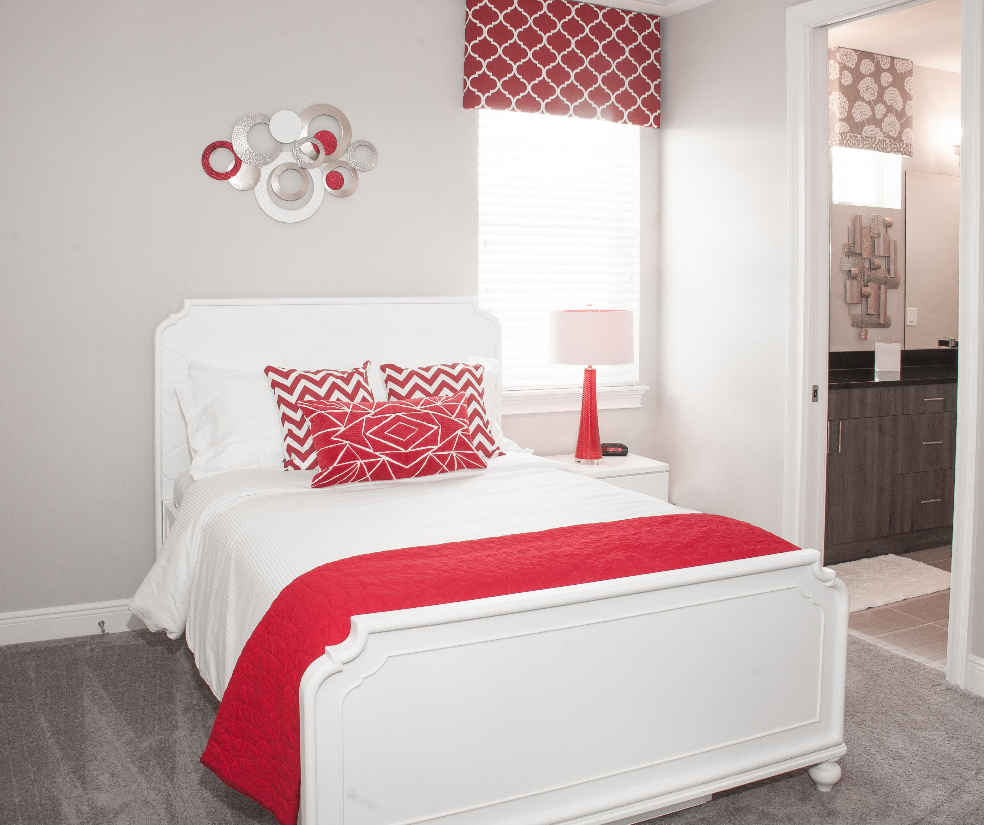 Red Room- LRTU-7724-2
