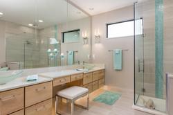 Custom Built Home by Vantage-large-018-12-Bathroom-1500x1000-72dpi