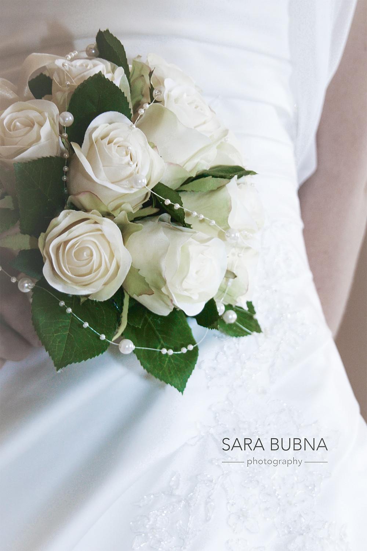 Sara Bubna, Hochzeitsftogoraf Salzburg, Leopoldskron, Fotograf, QAP, Salzburg, Hochzeitsstrauss, Braut, Rosen,