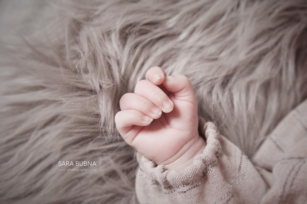 Neugebornenen Fotos, Baby Fotos, Newborn phototgraphy, Newborn, Fotostudio, zert. Berufsfotografin, SARA BUBNA photography, Sara Bubna, Fotoshooting, QAP, EP, Meisterfotograf, Leopoldskron, Salzburg, Fotografin, Kinderfotos