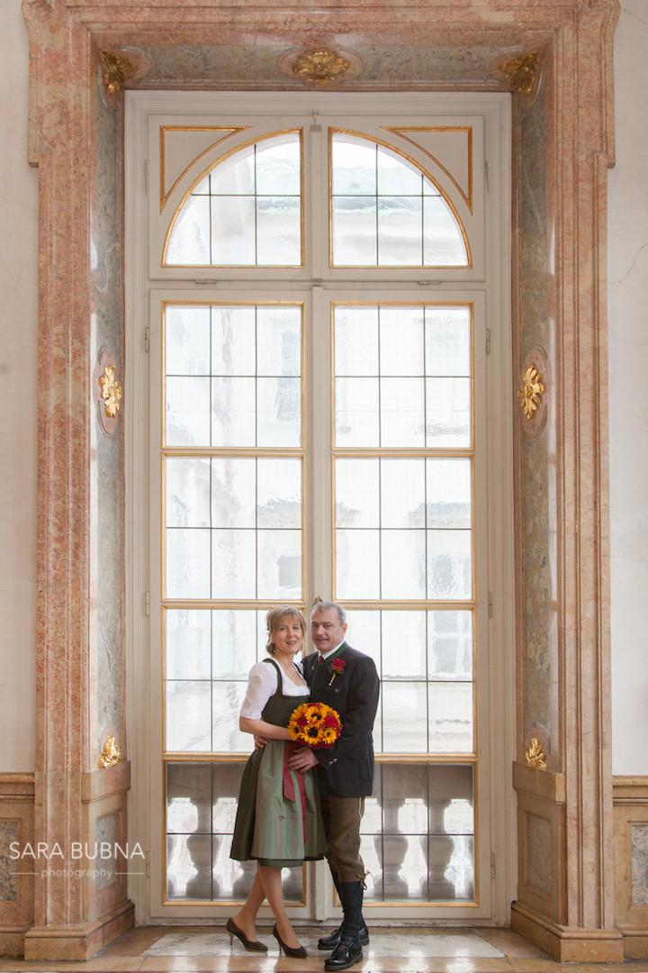Heiraten, winter, salzburg, marmorsaal, brautpaar, brautstrauss, hochzeit, sara bubna photography, fotografin, hochzeitsfotografin, qap, ep, fotostudio, zertifizierte berufsfotografin,
