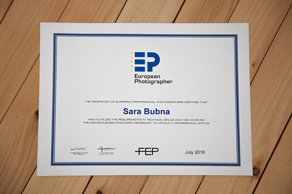 EP, Zertifikat, European Photographer, Fotostudio, Salzburg, Sara Bubna, QAP, Qualified Austrian Photographer, Federation of European Photographer, Certificate, Leopoldskron, Moos, Fotograf, Fotografin, Berufsfotograf,