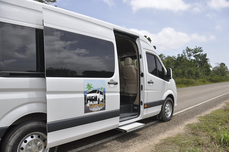 Shuttle service to southern Belize with Julian Transfers