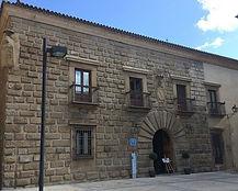 Edificio-del-Palacio-Carvajal-Giron-Plas