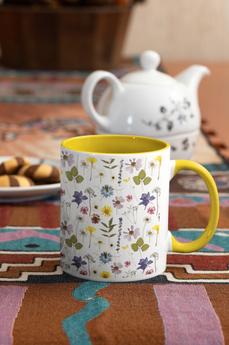 mockup-of-an-11-oz-mug-with-a-colored-ri