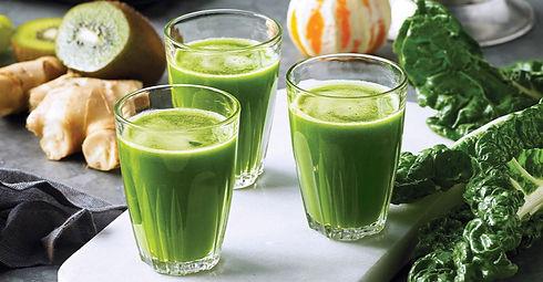 green smoothie blender juicer ginger kiwi kale lemon orange glass fresh juice breakfast juicing cleansing detox