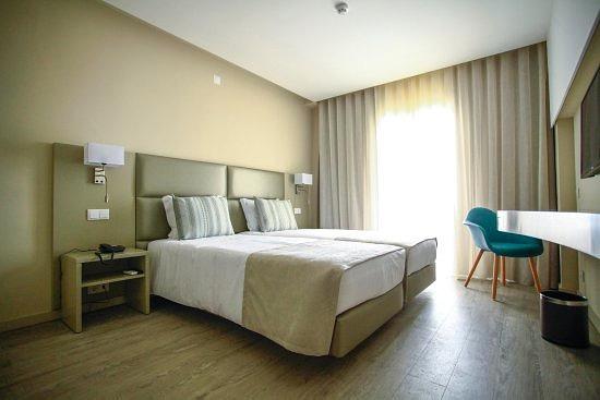 maria-nova-lounge-hotel_edited