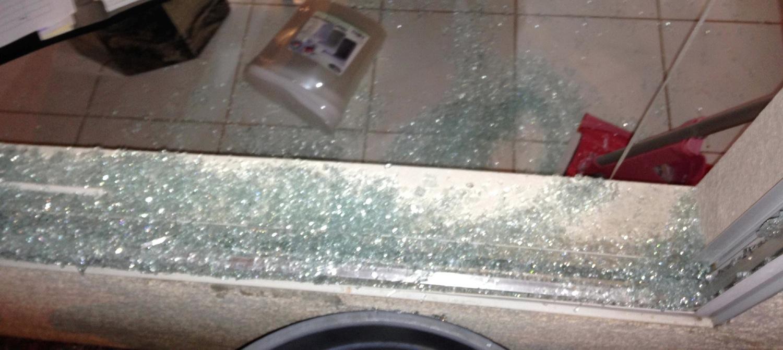 Las Vegas Glass Contractor | Installation Glass Repair Door Replaced | Las  Vegas Broken Glass Repair, Broken Glass Replaced, Broken Glass Repaired