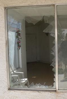 Broken Window Repair, Window Replacement,Window Installed, replace broken window,window glass replacements, mirror & Glass, Glass & Mirror, Paramount Glass & Mirror, paramountglassmirror.com, paramountglasslv.com, Replacement Windows, Fix Broken Window