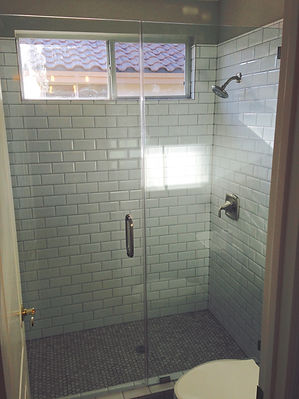Shower Door Las Vegas bathroom remodel, fix bathroom shower, replace bathroom shower enclosure, Las Vegas Shower replacement, fix shower, frameless shower enclosures, heavy duty shower glass, frameless shower, heavy glass shower,Las Vegas shower repair, paramountglasslv.com