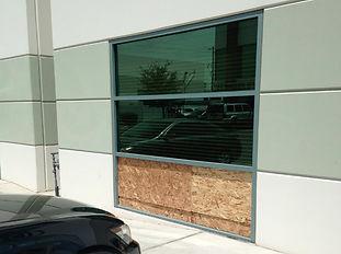 Broken Window Repair, Window Replacement, We Fix Your Windows!,replace broken window,window glass replacements, mirror & Glass, Glass & Mirror, Paramount Glass & Mirror, paramountglassmirror.com, paramountglasslv.com, Replacement Windows