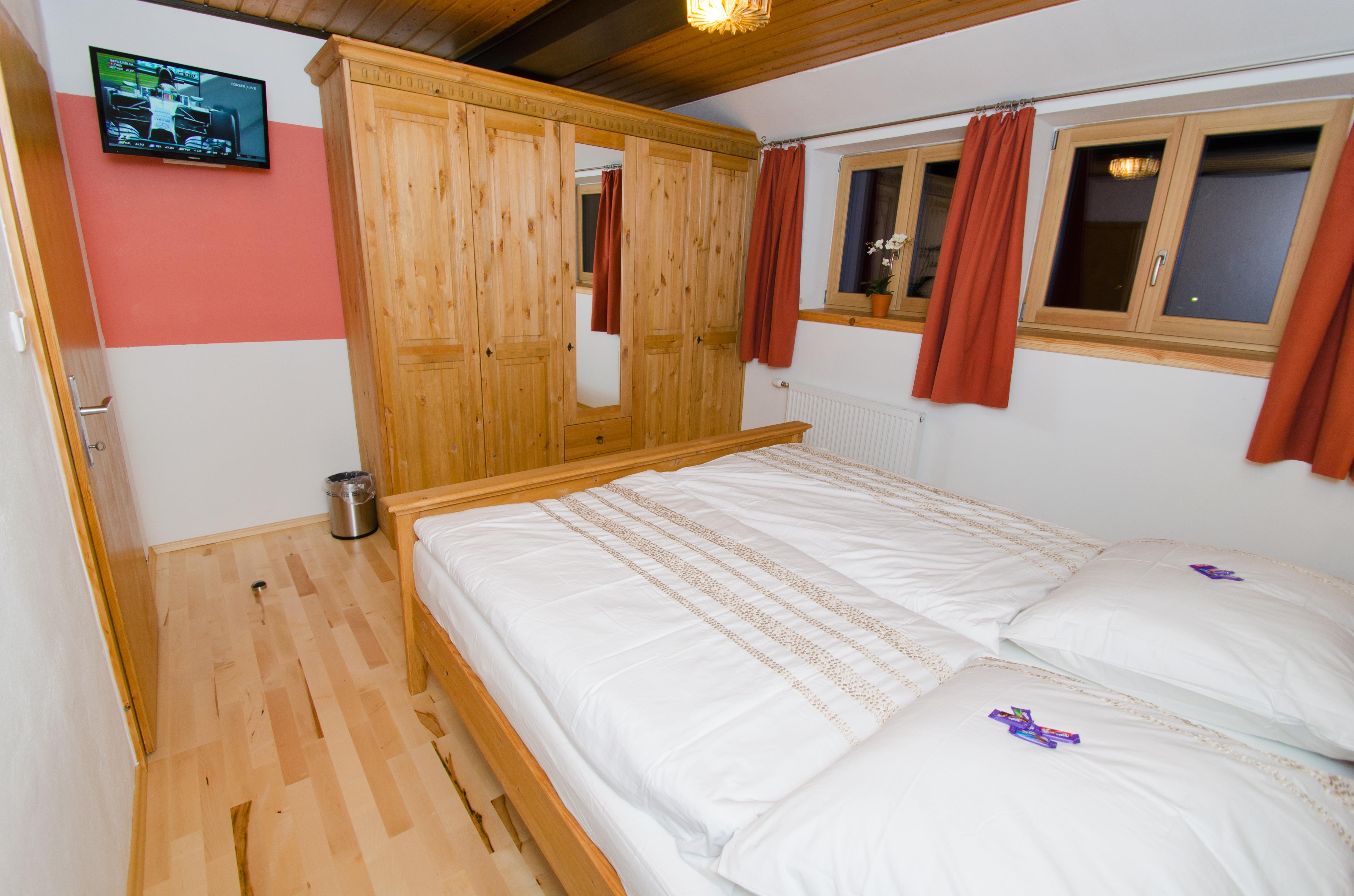Wohnung2_schlafzimmer1_1