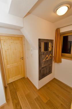 Wohnung2_Vorhaus