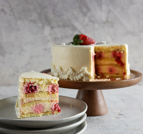 Maskarponės sūrio tortas su biskvitu ir uogomis