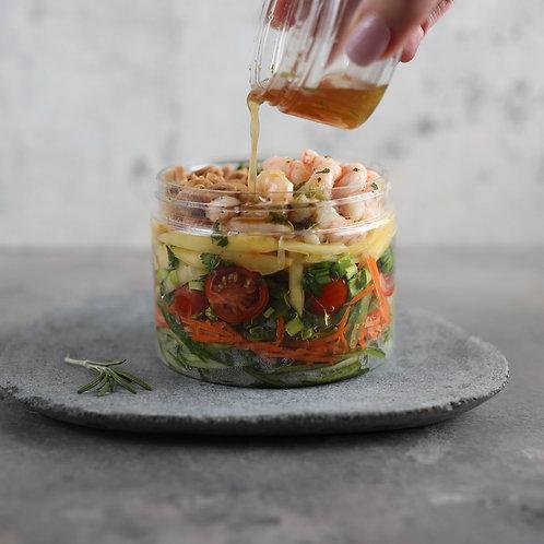 Spalvingos rytietiškos mango salotos su krevetėmis ir žemės riešutais  (0,4kg)