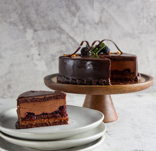 Tortas Karališkas su traškučiais ir vyšniomis