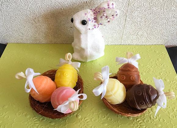 """Ароматен сет свещи """"Мини яйчица в гнездо"""""""