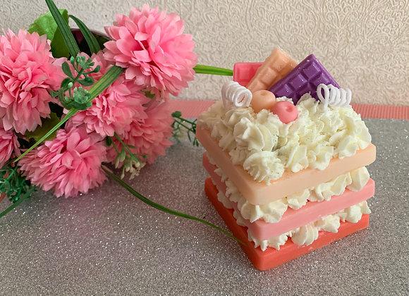 """Ароматна свещ  ,, Трицветна торта """""""