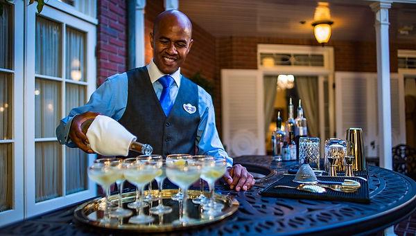 disney-21-dinner-champagne-1.jpg