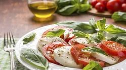 caprese-salad-625_625x350_81459344578.we