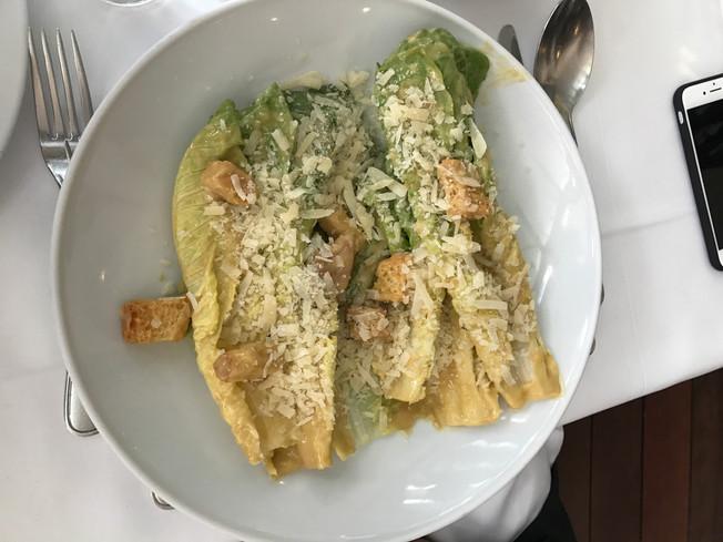 César salad. Sałatka Cezar.