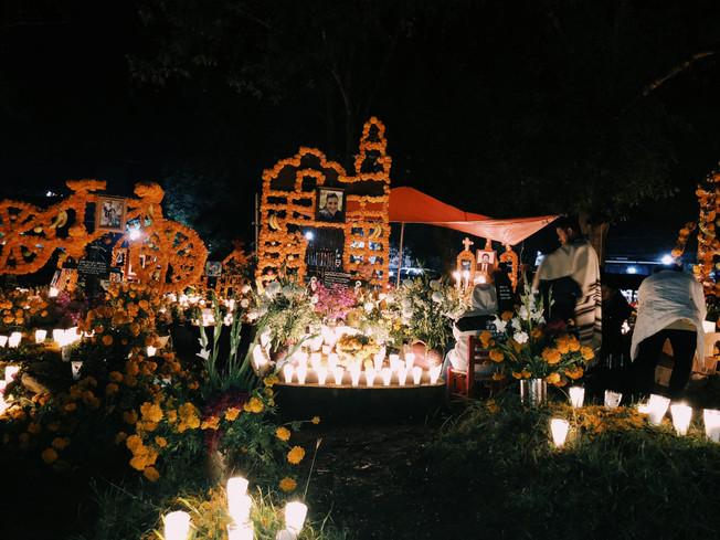 Patzcuaro cemeteries and their history.