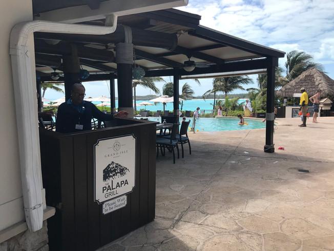 Palapa Restaurant Exuma, Bahamas. Restauracja Palapas, Exuma Bahama.