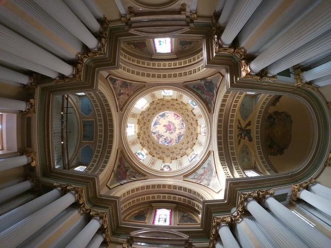 Santa Teresa - a former church in the service of art. Santa Teresa - dawny kościół w służbie sztuki.