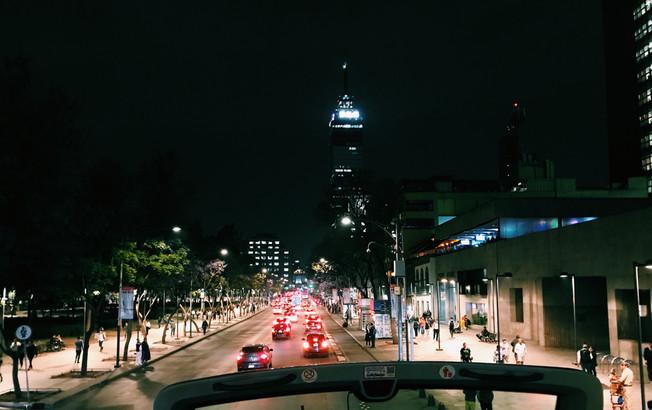 The Night Cantina Tour in Mexico City. Nocna wycieczka po kantynach w mieście Meksyk.