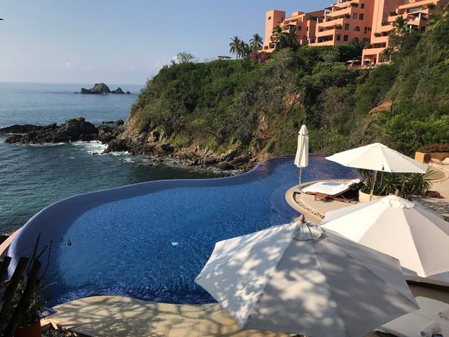 Cala de Mar, Ixtapa, Zihuatanejo resort. Hotel Cala de Mar