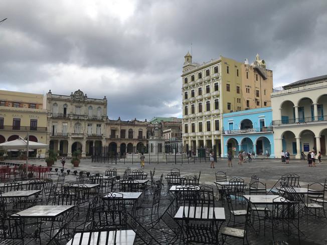 Plaza Vieja. Stary Plac w Hawanie.