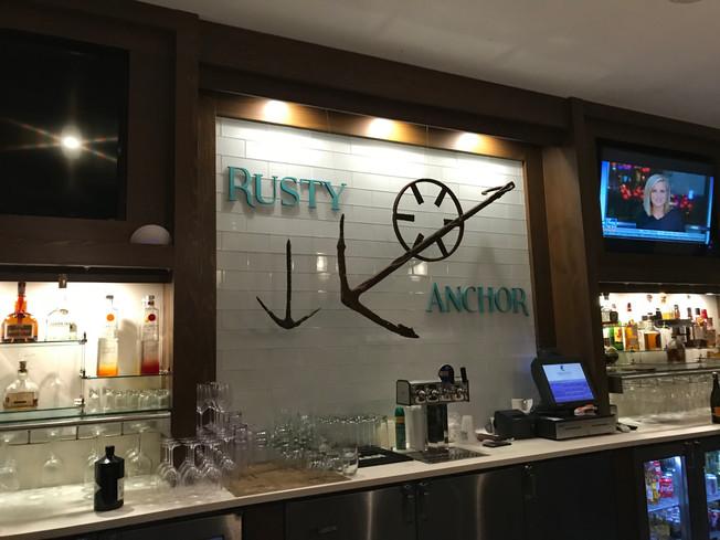 The Rusty Anchor restaurant, Exuma. Restauracja Rusty Anchor.