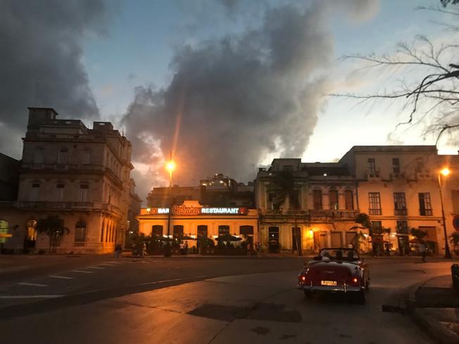 Havana by night. Hawana nocą