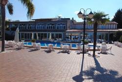 Villa Perara mit pool