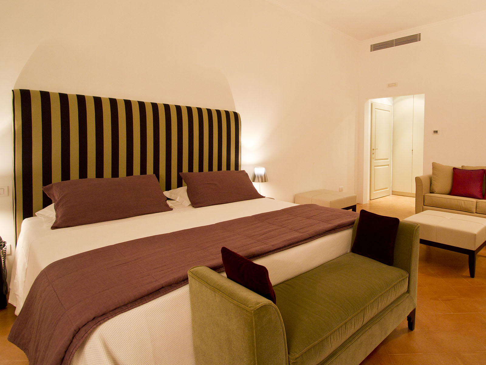 Villa Paola Room