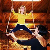 Circus Glory Trapeze