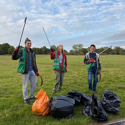 Post-bank holiday family litter pick