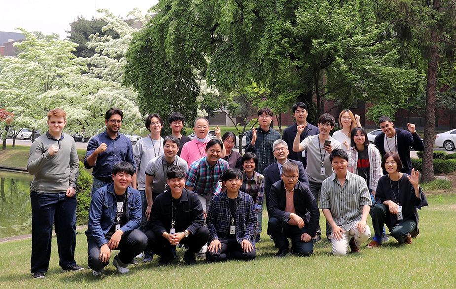 단체사진_resized.JPG