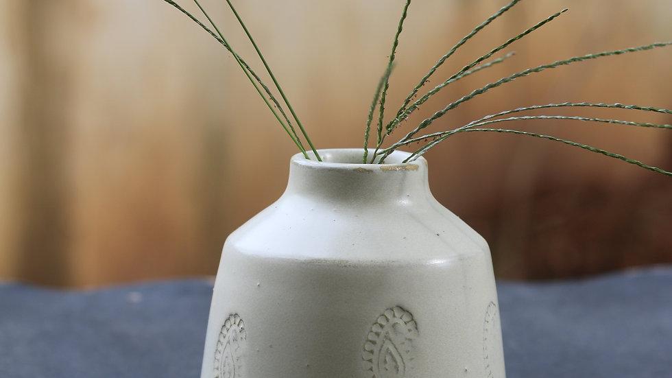 Matt white Mango vase