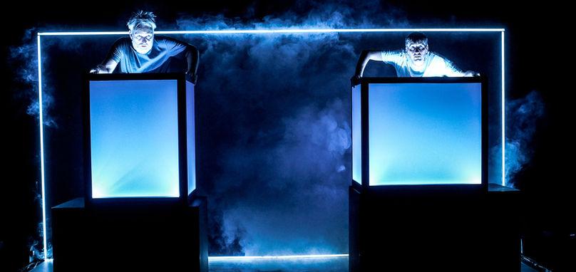 """""""Fremtiden"""" by Teater O"""