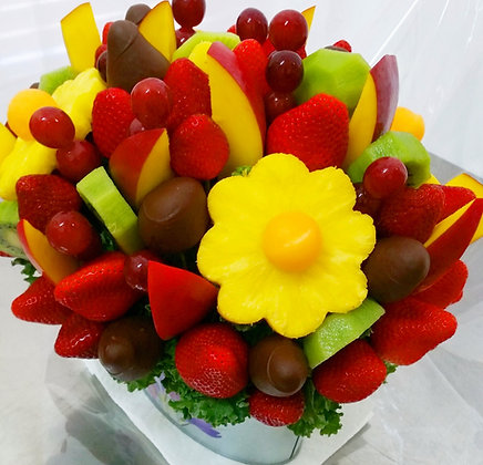 """Kiwi Mango-licious Daisy""with Dipped Strawberries"